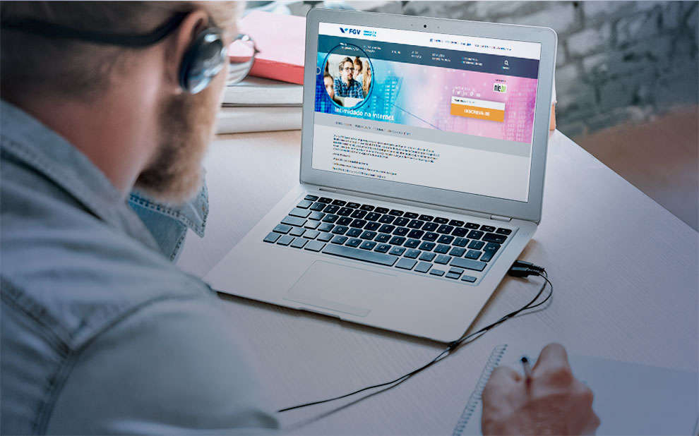 Parceria entre FGV e NIC.br oferece cursos gratuitos sobre Direitos Humanos na Internet