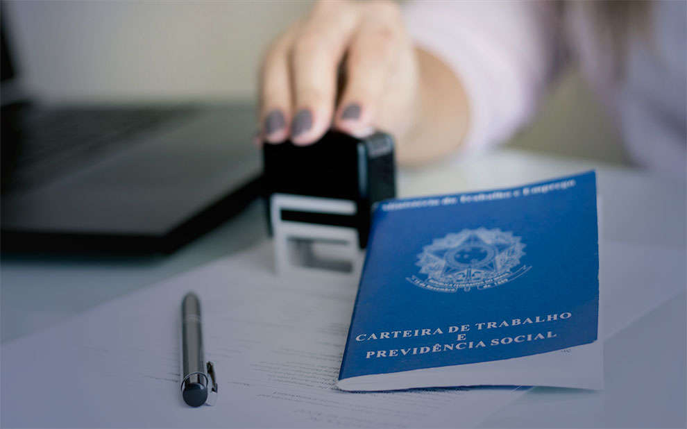 Novo livro aborda direito e economia do trabalho