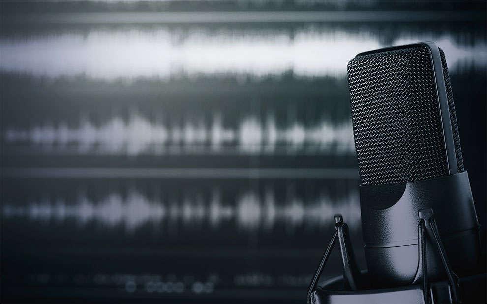 Dos dois lados da rua: novo podcast reúne especialistas para discutir políticas públicas no Brasil