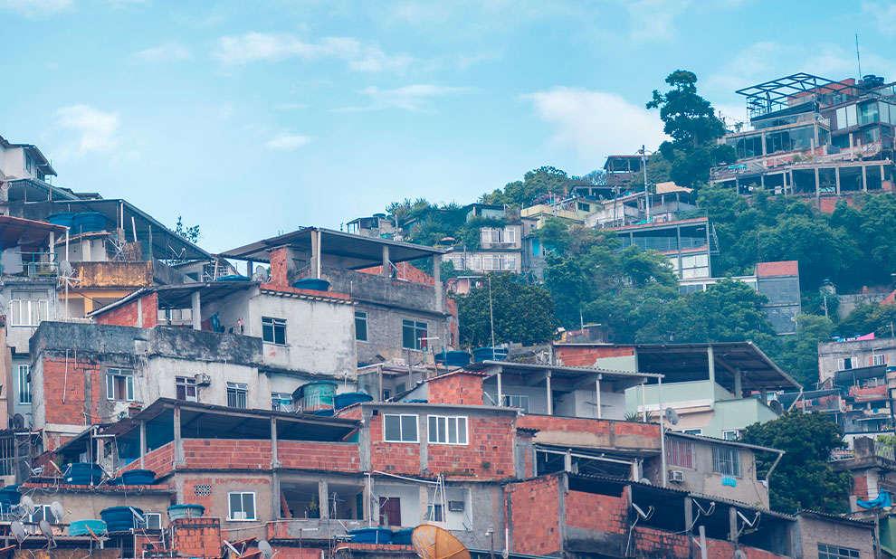 Pesquisa indica contraste de doações entre classes sociais no Brasil