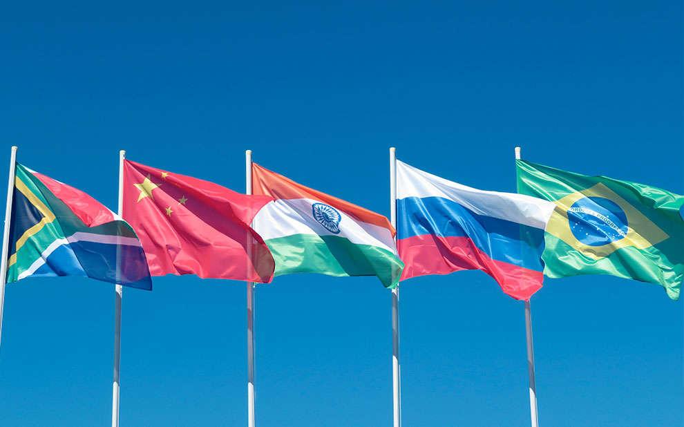 Read more about the article Novo livro analisa regulamentações de segurança cibernética nos países do BRICS